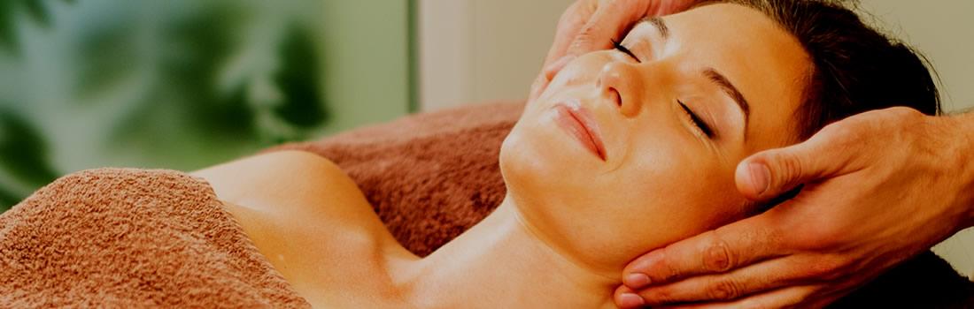 Fah Sai Thaise Gezicht Massage