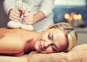 Fah Sai Thaise Kruidenstempel Massage